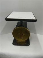 """IROQUOIS CUTLERY CO. 10"""" SPRING SCALE"""