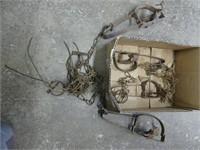 BOX: ANTIQUE ANIMAL TRAPS