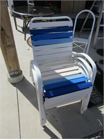 4 METAL FRAMED PATIO CHAIRS