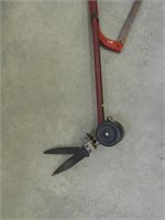 HAND SAW AND EDGER/TRIMMER