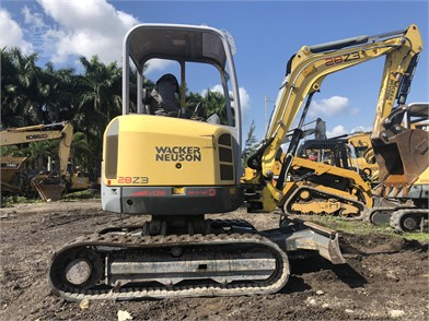 Mini (Up To 12,000 Lbs) Excavators For Sale In Saint