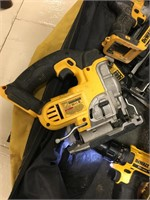DEWALT 20V CORDLESS TOOL KIT IN BAG