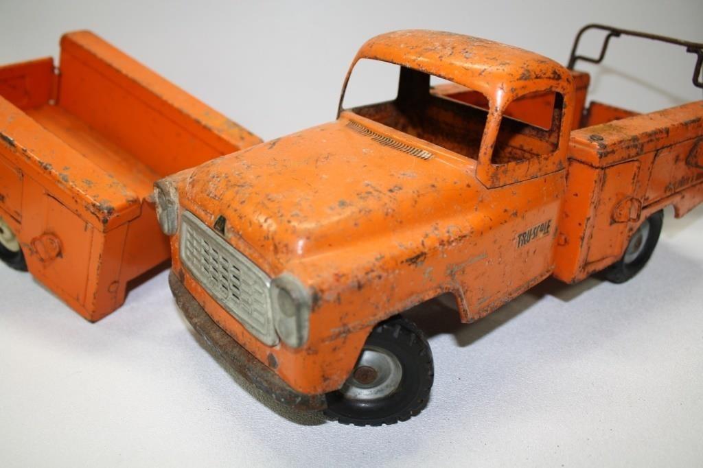Tru-Scale International Parts Truck | Ben Ladage Auctions