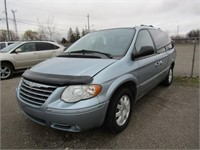 2005 CHRYSLER TOWN & COUNTRY 191000
