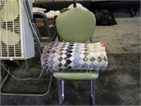 old chair / quilt