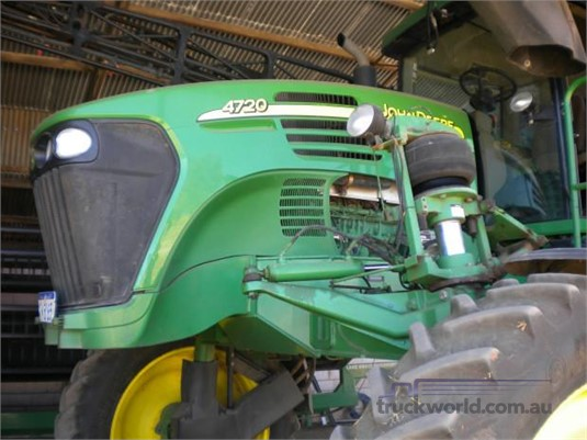 2005 John Deere 4720 - Farm Machinery for Sale