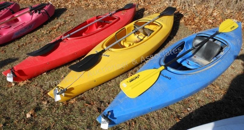 Kayak: 9' Swifty 3 1 Perception w/paddle (red)   Tim Narhi