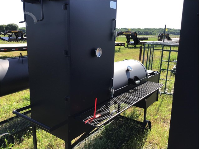 Lot # 2817 - CUSTOM-BUILT 20 IN X 40 IN BBQ GRILL W/ FIRE BOX & SMOKER