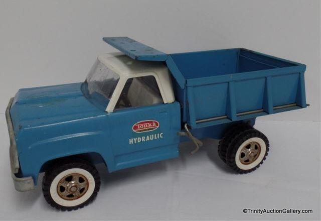 1960's Tonka Blue & White Dump Truck #13190 | Trinity