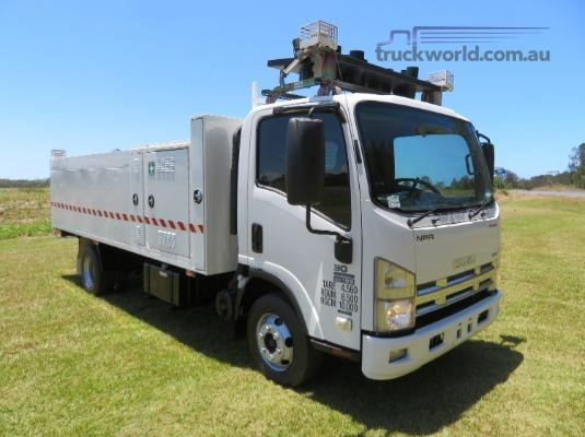 2011 Isuzu NPR300 PREMIUM Trucks for Sale