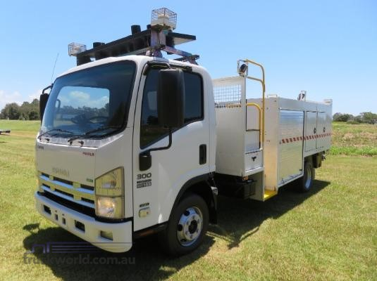 2011 Isuzu NPR300 PREMIUM Trucks for Sale