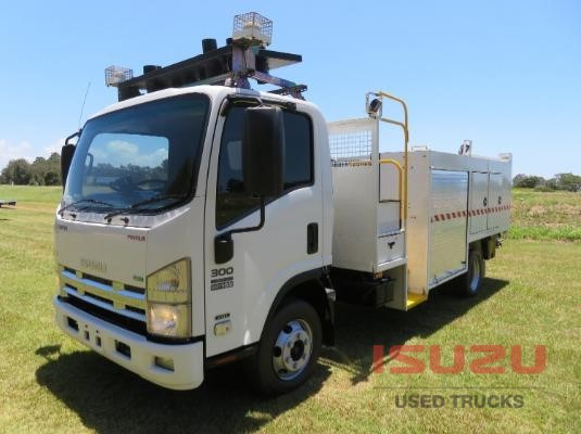 2011 Isuzu NPR300 PREMIUM Used Isuzu Trucks - Trucks for Sale