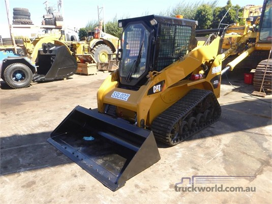 2011 Caterpillar 257B3 Heavy Machinery for Sale