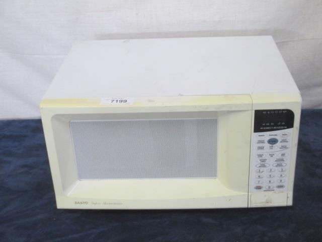 Sanyo Super Showerwave Microwave Oven