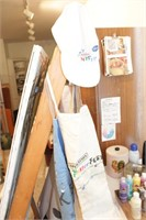 Easel, Smocks & Painters hats, with stool