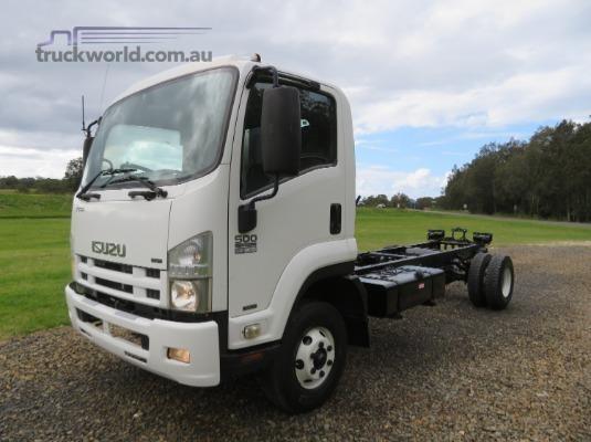 2008 Isuzu FRR500 - Trucks for Sale