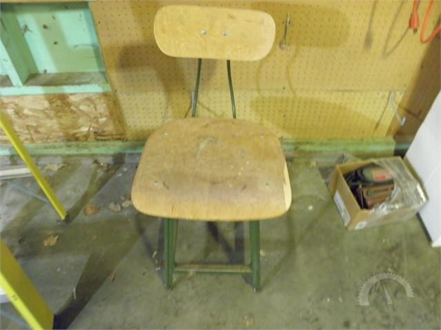 Phenomenal Lot 3030 Estate Vintage Metal Work Bench Stool Evergreenethics Interior Chair Design Evergreenethicsorg