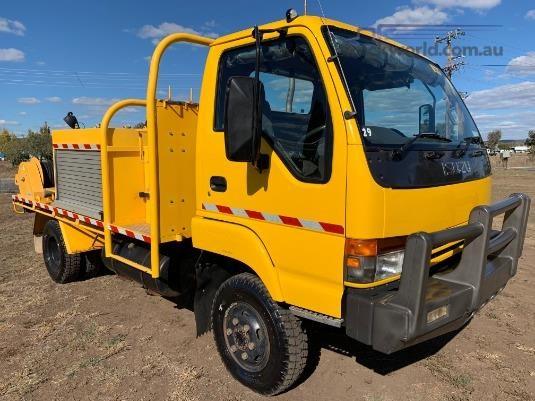 2001 Isuzu NPS 300 4x4 Trucks for Sale