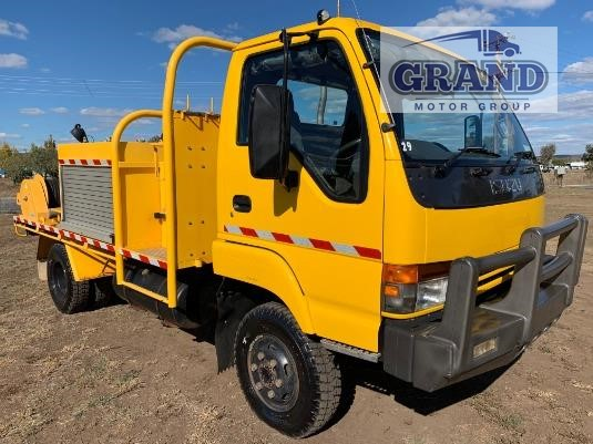 2001 Isuzu NPS 300 4x4 Grand Motor Group - Trucks for Sale