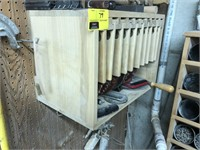 Lot of circular saw blades of various size, comes