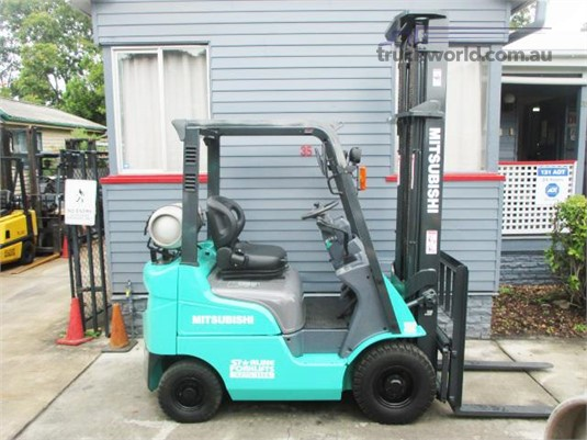2006 Mitsubishi other Heavy Machinery for Sale
