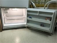 Kenmore refrigerator with bottom freezer