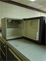 Vintage General Electric mini fridge