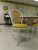 Vintage round table and five  matching chairs