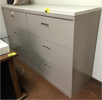 Horizontal, Metal filing cabinet with topper