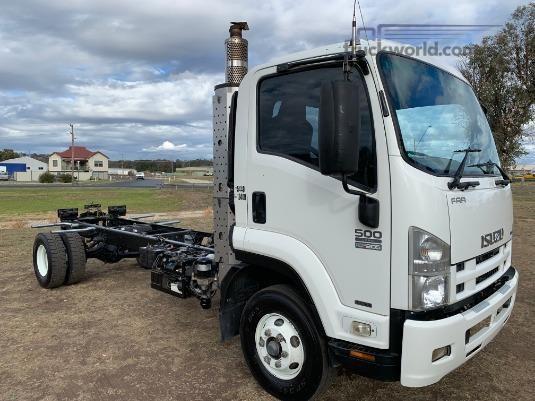 2009 Isuzu FRR 500 AMT - Trucks for Sale