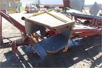 New Holland 1010 Bale Wagon