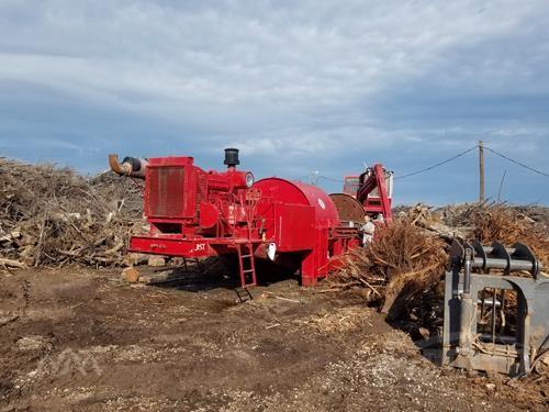 MORBARK 975 Horizontal Grinders Logging Equipment For Sale