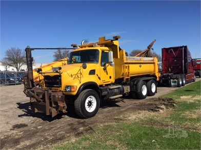 Snowplow Trucks and Municipals   Municipal Trucks MN and WI