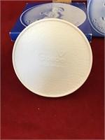 Hummel collectors club plaques
