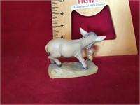 Ari figurine