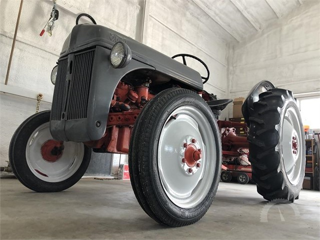 Lot # 4231 - 1947 FORD 8N