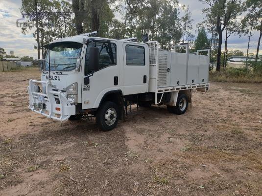 2008 Isuzu NPS 300 4x4 Crew Trucks for Sale