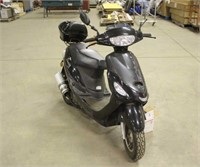 Sunny Scooter w/Extra Parts, 49cc, Needs Battery