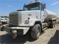 RETIRED 1988 AutoCar Water Truck