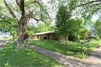 207 WEST 10TH - WELLINGTON, KS ~ FULL BRICK HOME ON CORNER L