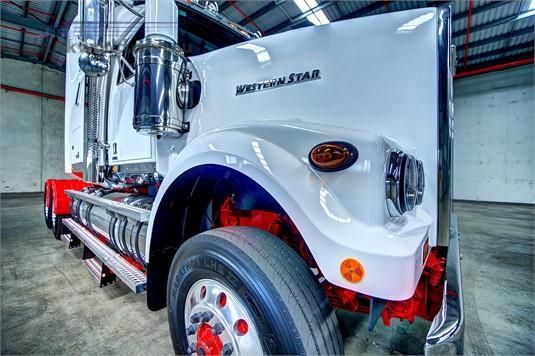 Western Star 4900FXT Detroit