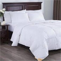 PUREDOWN WHITE GOOSE DOWN COMFORTER IN KING SIZE