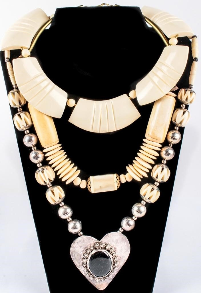 Jewelry Lot Of 3 Vintage Carved Bone Necklaces Azfirearms Com Pot Of Gold Estate Liquidations