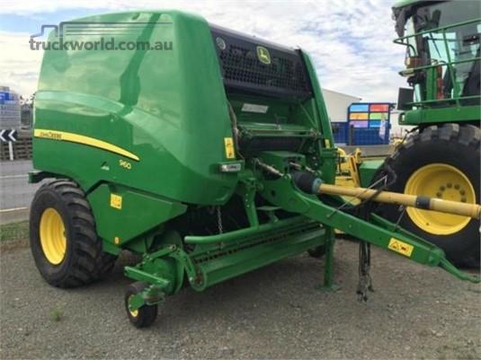 2012 John Deere 960 - Farm Machinery for Sale