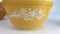 3 Piece Pyrex Butterfly Gold Mixing Bowls