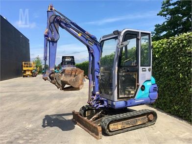 AIRMAN Mini (Up To 12,000 Lbs) Excavators For Sale - 14