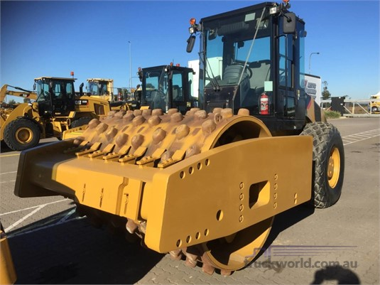 2012 Caterpillar CS76 Heavy Machinery for Sale