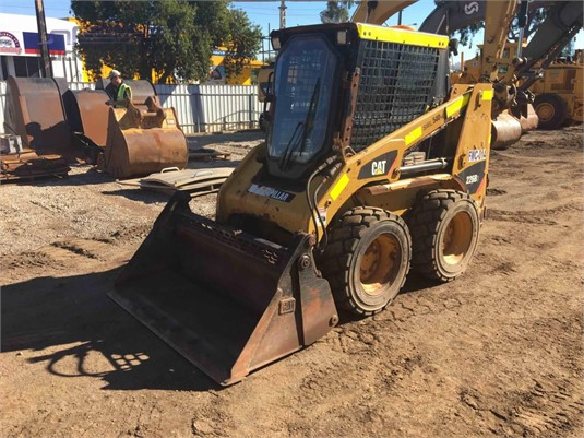 2014 Caterpillar 226B3 - Heavy Machinery for Sale