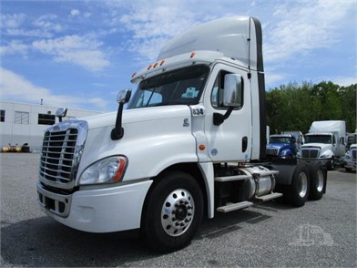 Freightliner Trucks For Sale >> Freightliner Trucks For Sale In New Jersey 710 Listings
