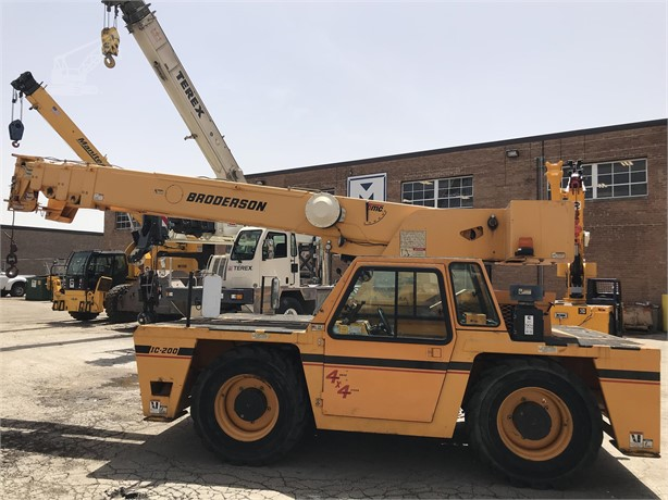 BRODERSON IC200-3H Carry Deck Cranes / Pick and Carry Cranes